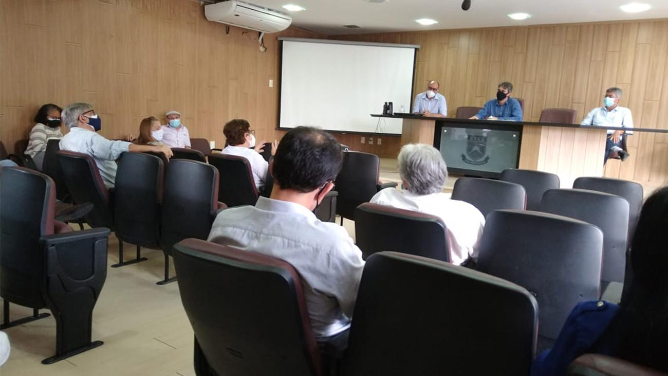 Reunião marca início da transição administrativa da UFCG